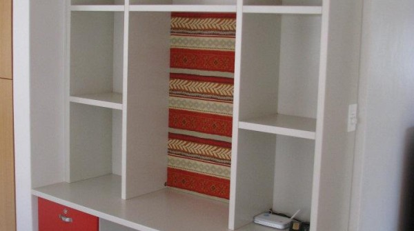 Kids homework station with shelving